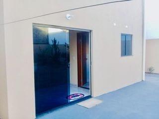 Foto do Sobrado-Casa Sobrado nova perto da UEL com 3 quartos, 1 suíte, quintal amplo para vendas, Universitário, Londrina, PR.