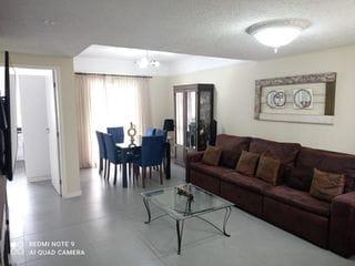 Foto do Sobrado-Sobrado 3 dormitórios à venda, sendo 1 suíte, 3 vagas de garagem, 167 m² de área útil, bairro Água Verde