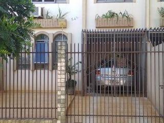 Foto do Sobrado-Sobrado para Venda em Maringá, Parque Residencial Cidade Nova, 4 dormitórios, 3 banheiros, 2 vagas