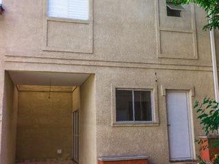 Foto do Sobrado-Excelente Sobrado à venda e para locação na região Chácara Santo Antônio. O imóvel, contém: 02 dormitórios, 02 suítes e 01 vaga de garagem.