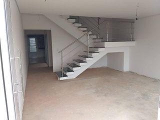 Foto do Sobrado-Sobrado à venda com 3 Dormitórios sendo 1 suíte, Jardim Lago do Moinho, Bragança Paulista, SP