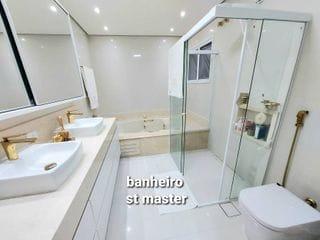 Foto do Sobrado-Casa com 4 quartos sendo 2 suítes com closet à venda,  400m² de área útil, 4 vagas, R$ 2.400.000,00 no Resid. Alphaville Onze em Santana de Parnaíba, SP