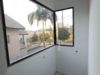 Foto do Sobrado-Casa semi terrea no Residencial New Ville, 3 Suítes, quintal com piscina e gourmet com vidro no  Suru, Santana de Parnaíba, SP