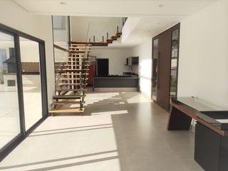 Foto do Sobrado-Vendo Lindo Sobrado Condomínio Portal de Bragança, 4 Suítes. Bragança Paulista SP.