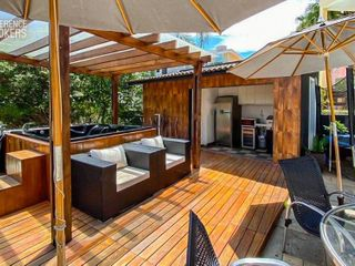 Foto do Sobrado-Casa luxuosa 4 suítes para locação ou venda na Granja Viana