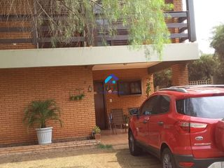 Foto do Sobrado-Sobrado à venda, Jardim Zavanella, Araraquara.