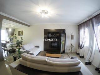 Foto do Sobrado-Sobrado triplex à venda, com 3 quartos (1 suíte), 3 vagas de garagem. Localização privilegiada em rua calma no bairro do Portão em Curitiba, PR