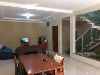 Foto do Sobrado-casa Sobrado à venda com 3 quartos, 2 banheiros sendo uma suíte,  2 vagas de garagem no bairro Jardins, Bragança Paulista — Easy Imóveis 031344 J