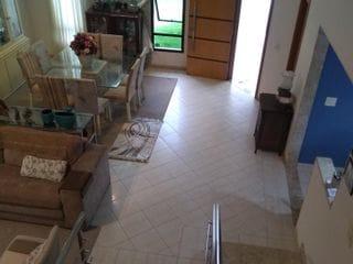 Foto do Sobrado-Sobrado à venda no Vale das Araucárias, o condomínio mais luxuoso  próximo ao centro de Londrina.