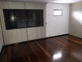 Foto do Sobrado-Sobrado à venda e para locação - Jd Quebec - Comercial ou Residencial - 3 Quartos , Salas , 4 Vagas de Garagem - Próximo a Rua Goias e Av Maringá