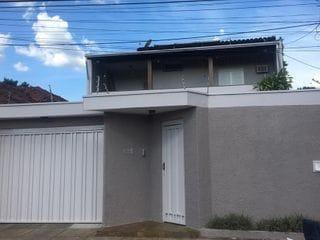 Foto do Sobrado-Sobrado à venda, 3 dormitórios com 1 suíte, edícula, 4 vagas,   286 m² de área construída e 435 m² de área total na  Vila Xavier (Vila Xavier) , Araraquara, SP