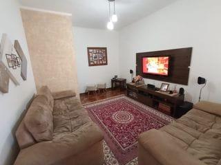 Foto do Sobrado-Excelente casa à venda, com 2 quartos e edícula, bairro Vila Gato,  próximo ao centro de Bragança Paulista, SP