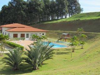 Foto do Terreno-Vende-se terreno no Condomínio Terras de Santa Cruz.