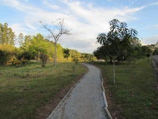 Foto do Terreno-Vende-se terreno - Jardim das Palmeiras. 1.800m² . Agende sua visita com a Dennes Imóveis, lote totalmente plano.