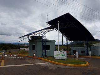 Foto do Terreno-Terreno à venda no Condomínio Portal da Serra, esquina -  Bragança Paulista - R$ 120 mil, Cod: 431. Agende sua visita com a Dennes Imóveis.